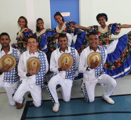 Vivência cultural: apresentação de coco de roda