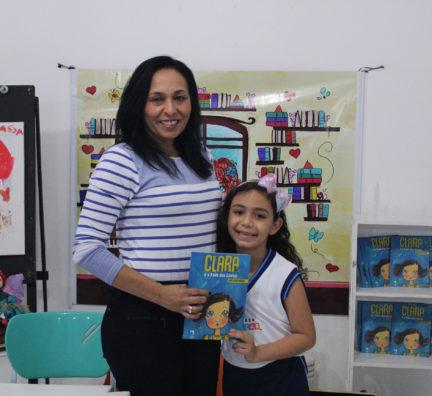Biblioteca promove 'Encontro com autores': Neide Gomes